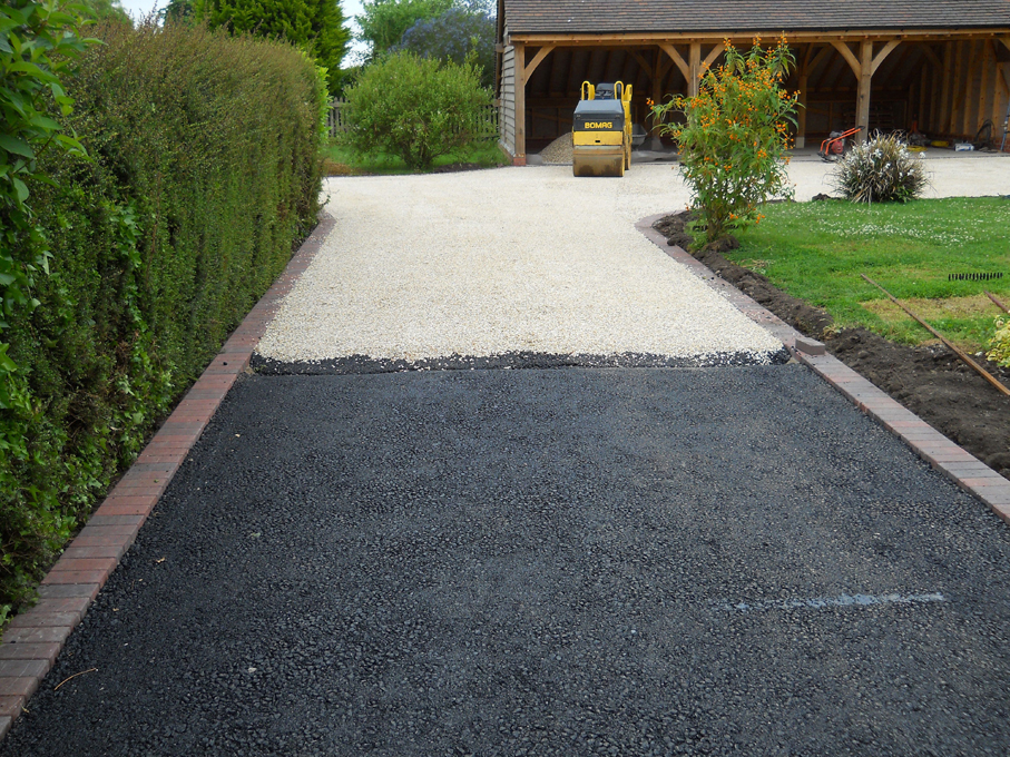 Warwickshire Drive And Path Resurfacing Resin Bonded